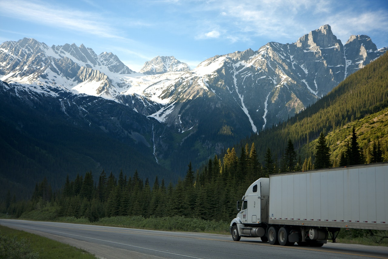 Revenues and SDE Continue to Grow. Short-Haul Trucking Business + Warehouse (Total $3.3million)